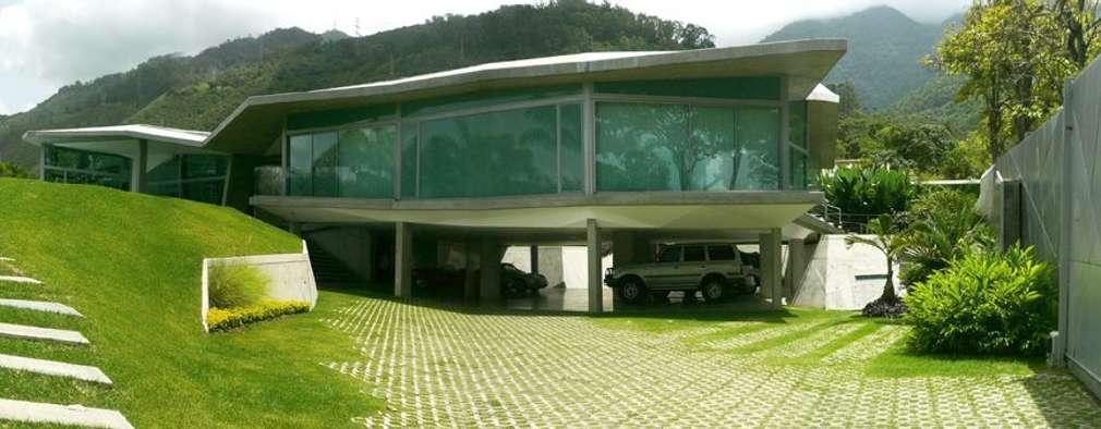 Casa AG: Jardines de estilo moderno por oda - oficina de arquitectura