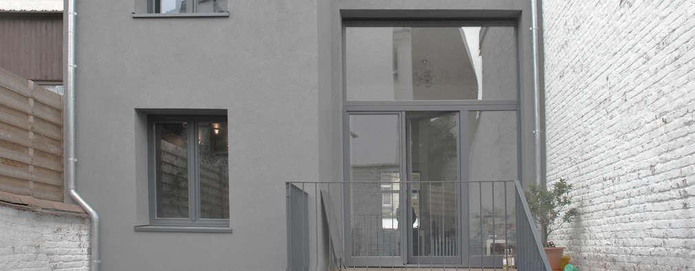 Conjunto residencial de estilo  por planomatic