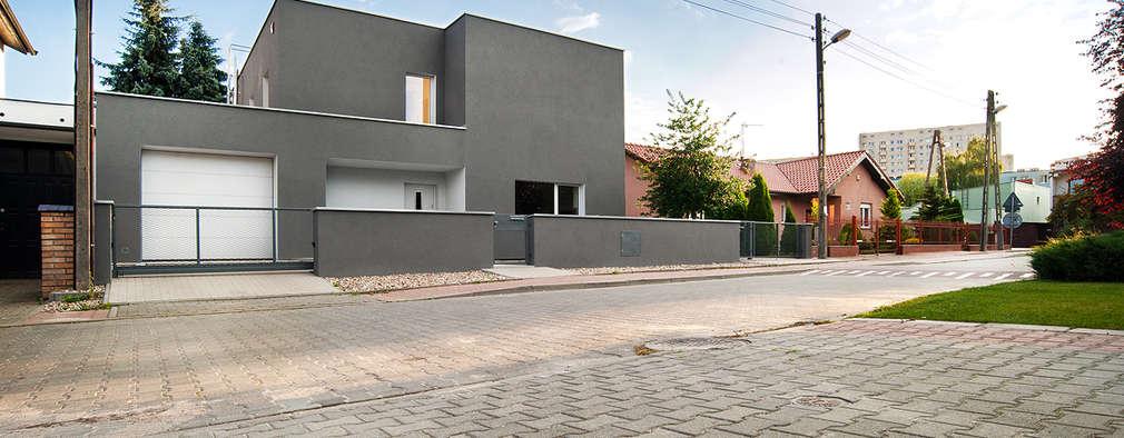 LEPSZA KOSTKA, PL+: styl nowoczesne, w kategorii Domy zaprojektowany przez PL+sp. z o.o.