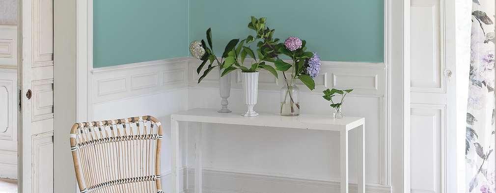 Salas de estilo moderno por vanHenry interiors & colours