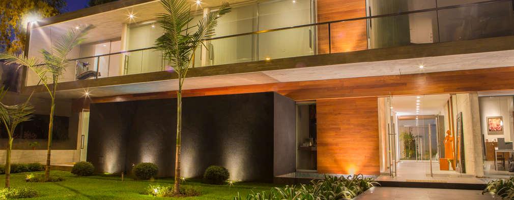 En lima una gran casa de dise o moderno for Techos de concreto para casas