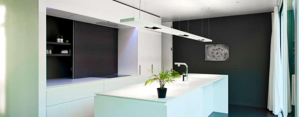 minimalistische Keuken door Niko Wauters architecten bvba