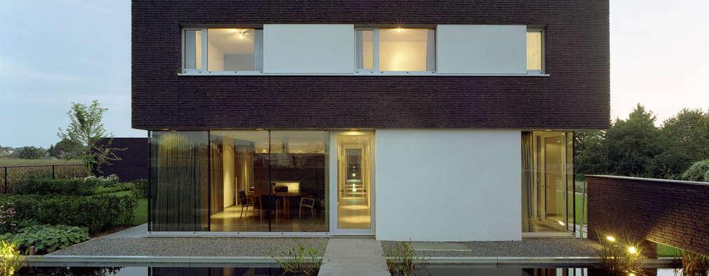 Casas modernas por Engelman Architecten BV
