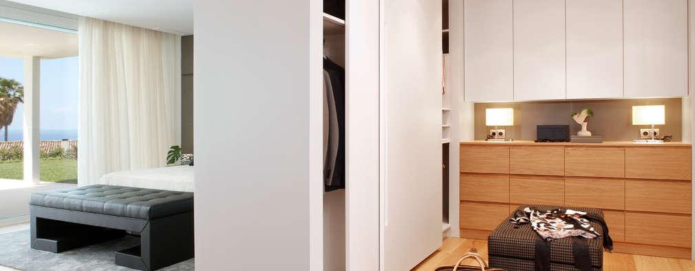Ruang Ganti by Molins Interiors