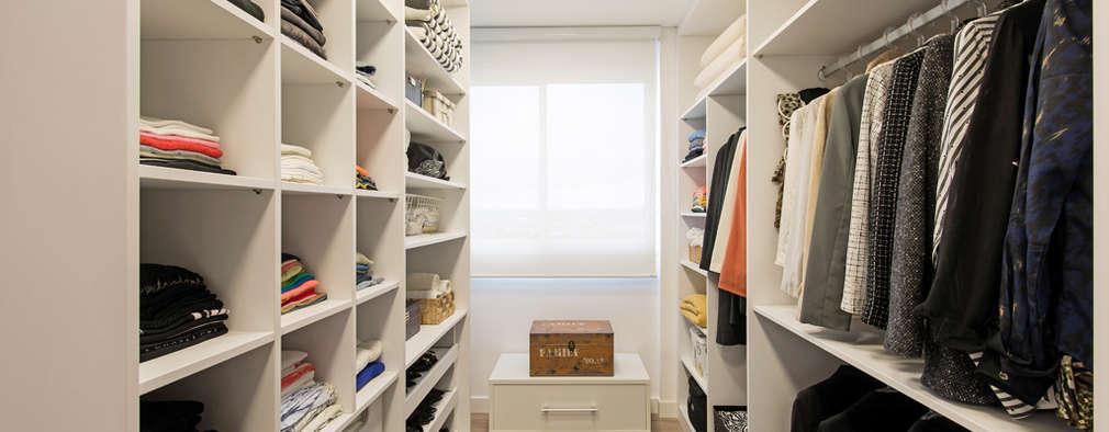 Vestidores y closets de estilo moderno por TRÍADE ARQUITETURA