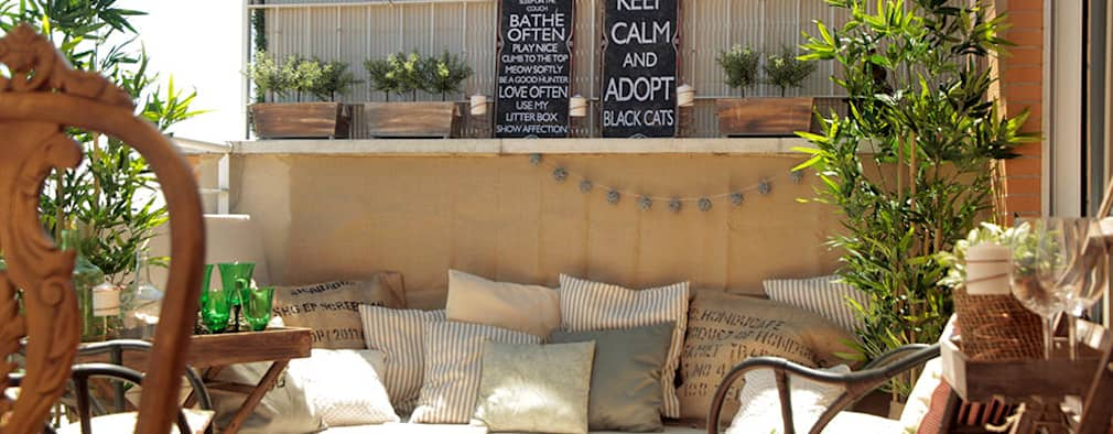 12 ideas para construir una peque a terraza en tu patio - Ideas para decorar un porche pequeno ...