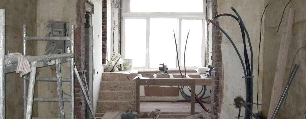Rénovation d'un appartement bruxellois: Cuisine de style de style Moderne par Alizée Dassonville | architecture