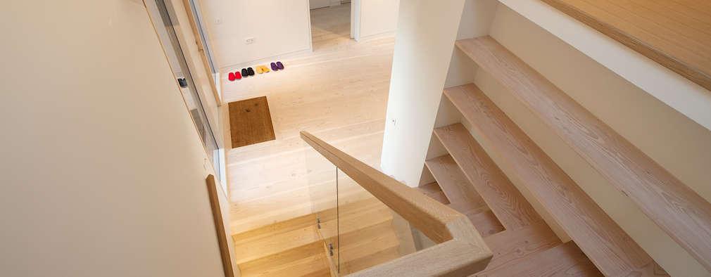 Corridor & hallway by Nash Baker Architects Ltd