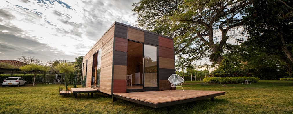 modern Houses by COLECTIVO CREATIVO