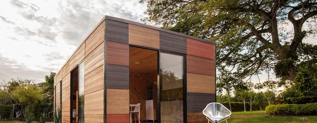 Maisons de style de style Moderne par COLECTIVO CREATIVO