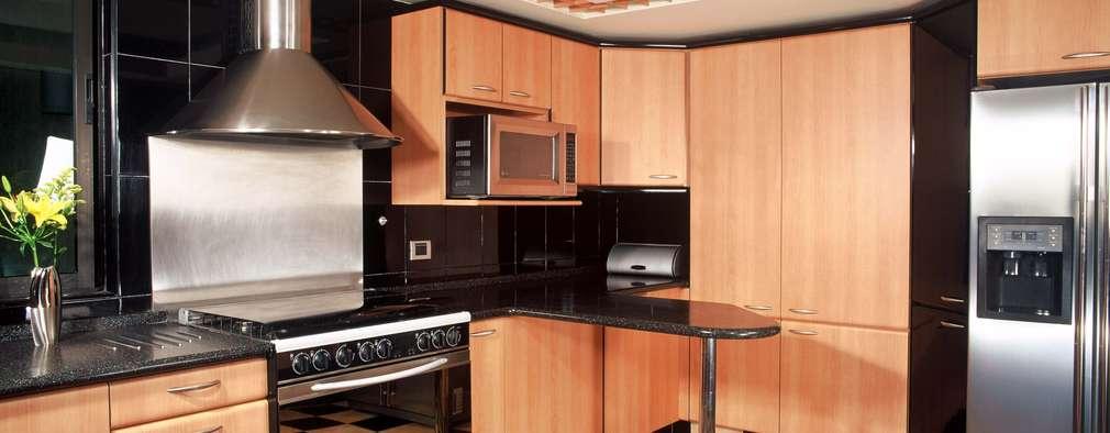 modern Kitchen by Diseño Integral En Madera S.A de C.V.