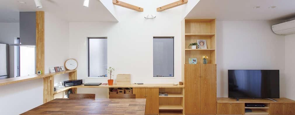 広いバルコニーのある家: 福島工務店株式会社が手掛けたです。