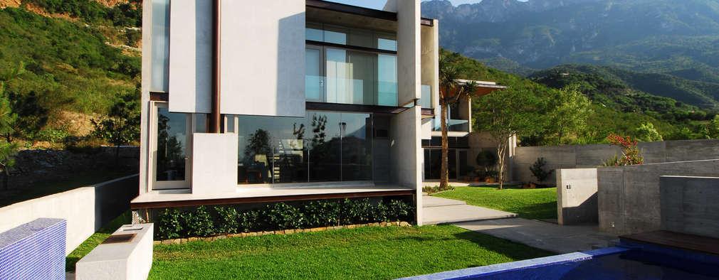 modern Houses by Landa Suberville