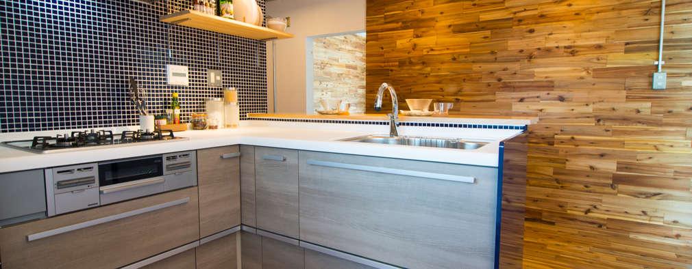 キッチン&天然無垢材: アーチアンドドリームが手掛けたです。