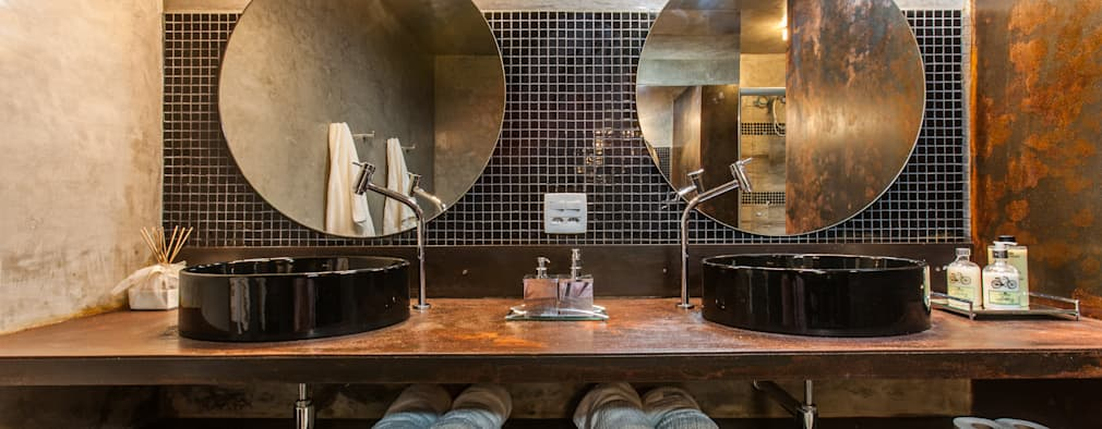 Baños de estilo rústico por AK Arquitetura Interiores