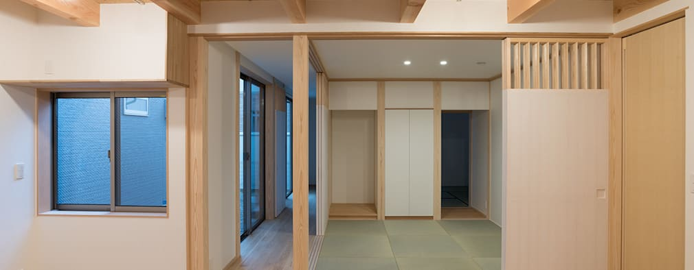 minimalistic Living room by 家山真建築研究室 Makoto Ieyama Architect Office