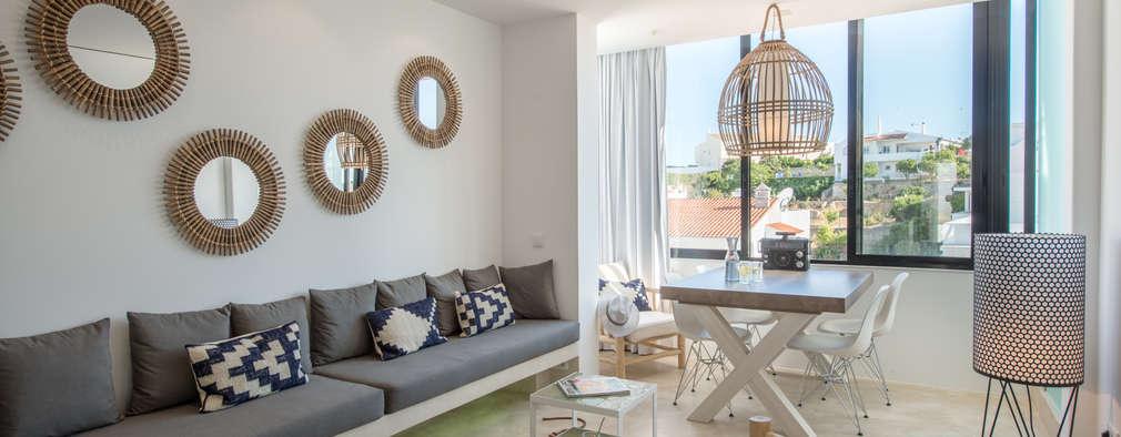 minimalistic Living room by studioarte