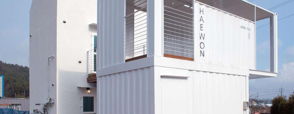 Maisons de style de style Moderne par AAPA건축사사무소