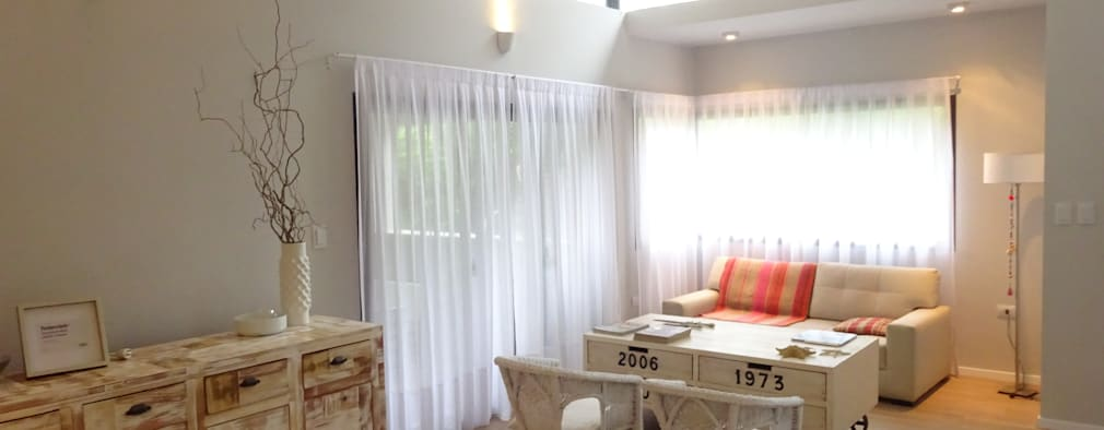 Salas / recibidores de estilo moderno por ARRILLAGA&PAROLA