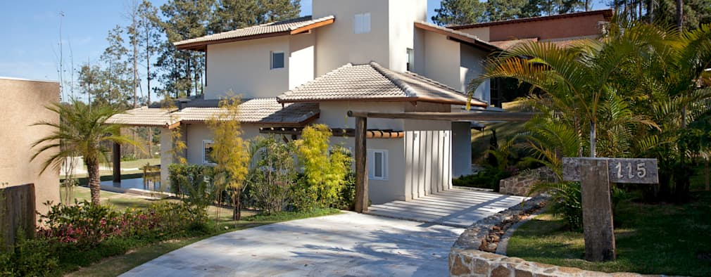 บ้านและที่อยู่อาศัย by Samy & Ricky Arquitetura