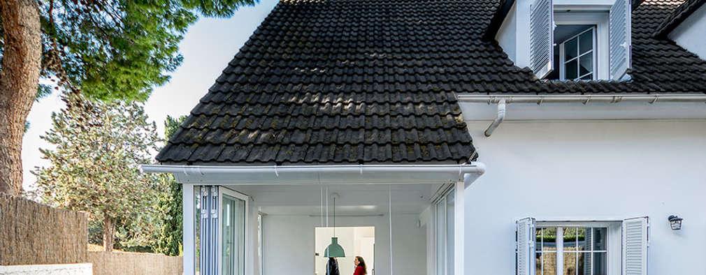 บ้านและที่อยู่อาศัย by 08023 Architects