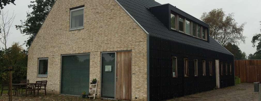 Schuurwoning Terheyl: moderne Huizen door Kwint architecten
