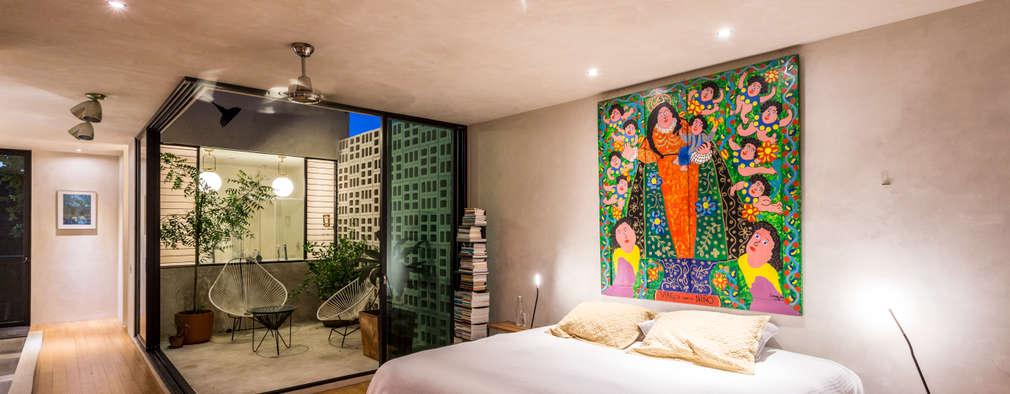 eclectic Bedroom by Taller Estilo Arquitectura