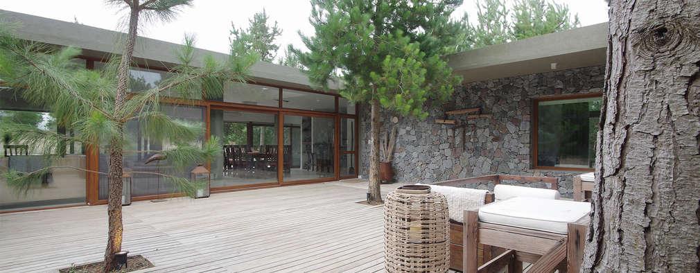 LUCAS MC LEAN ARQUITECTO: modern tarz Bahçe
