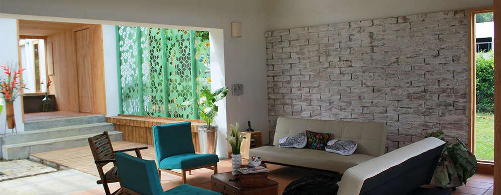 interior137 arquitectos : modern tarz Oturma Odası