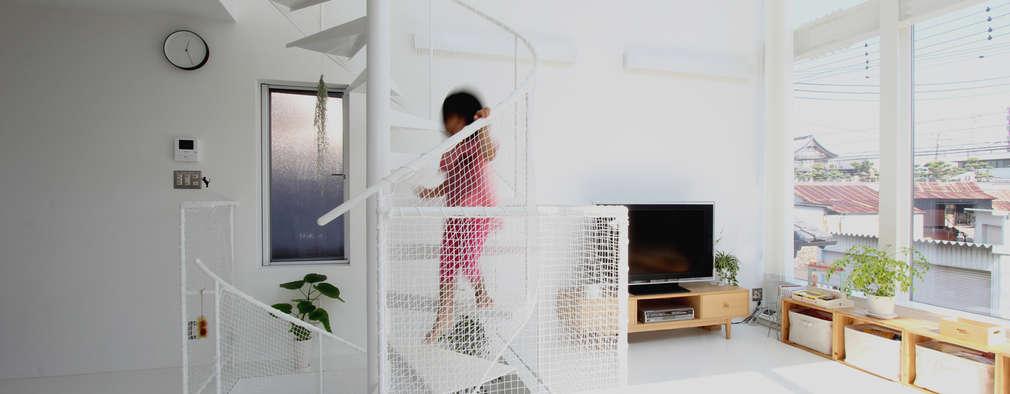 階段: 環境建築計画が手掛けた廊下 & 玄関です。