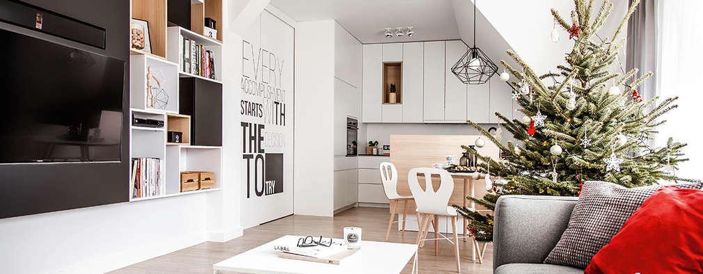 Dom na Gajewskich: styl , w kategorii Salon zaprojektowany przez Strażyńska Interiors