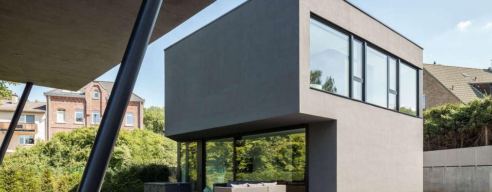Haus H: moderne Häuser von ZHAC / Zweering Helmus Architektur+Consulting