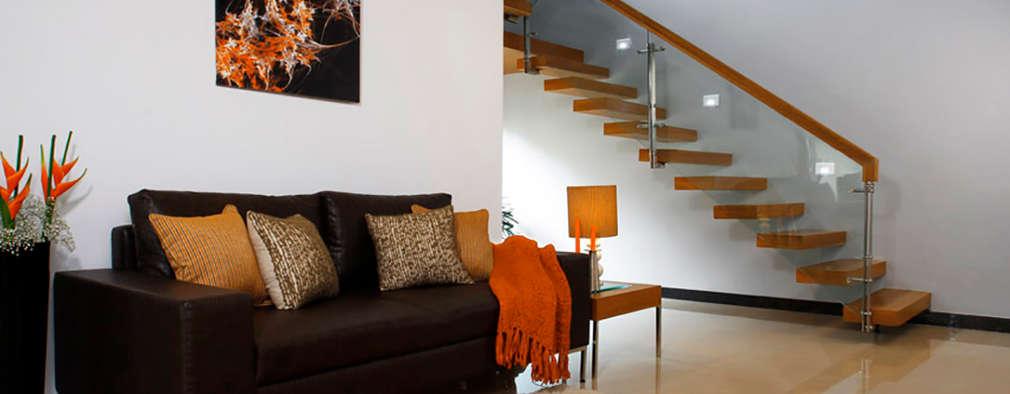 Pasillos y recibidores de estilo  por Savio and Rupa Interior Concepts