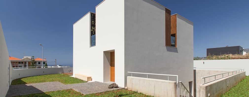 modern Houses by Studio Dois