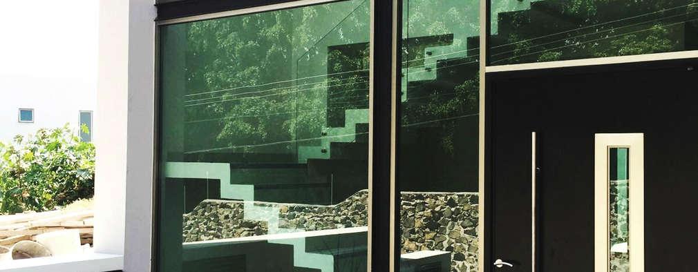 20 puertas de entrada modernas y fabulosas for Puertas de entrada de casas modernas