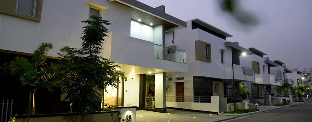 Exterior View: modern Houses by KREATIVE HOUSE