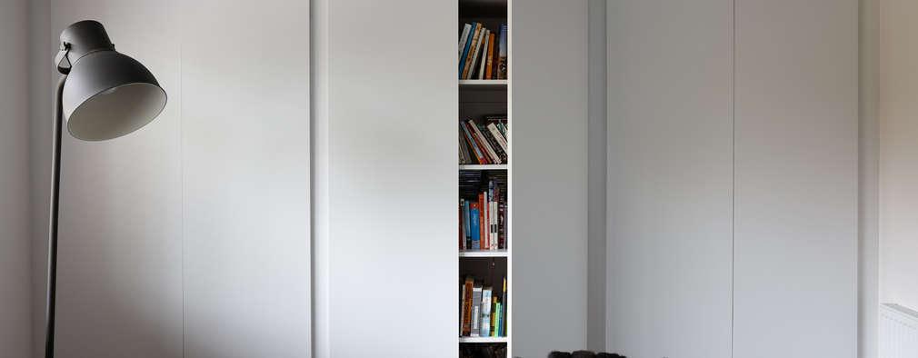 Ruang Keluarga by Bhavin Taylor Design