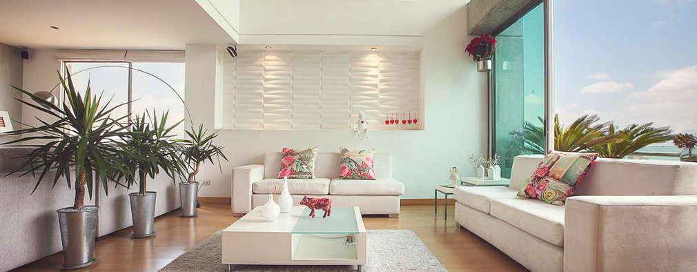 Sala principal:  de estilo  por Cristina Cortés Diseño y Decoración