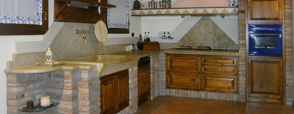 rustic Kitchen by SALM Caminetti