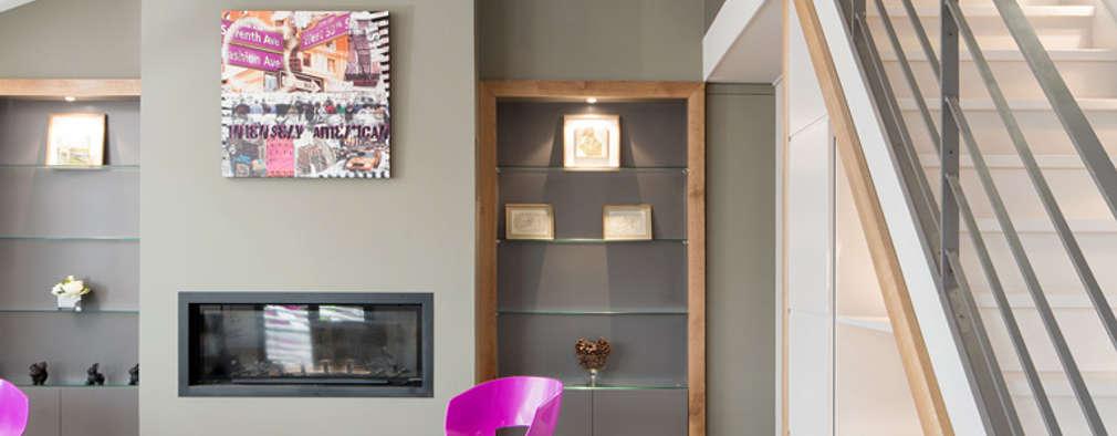 Réhabilitation intérieure et extérieure d'un appartement à la Croix-Rousse (Lyon) : Salon de style de style Moderne par réHome