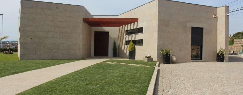 Maisons de style de style Moderne par Sérgio Bouça