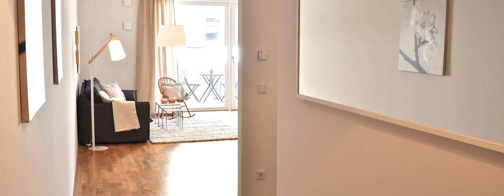 Projekty,  Korytarz, przedpokój zaprojektowane przez Karin Armbrust - Home Staging