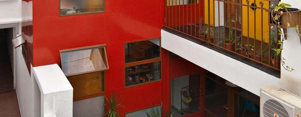 Min House: Casas de estilo industrial por Pop Arq
