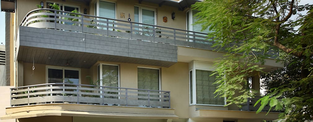 Exterior Facade: modern Houses by groupDCA