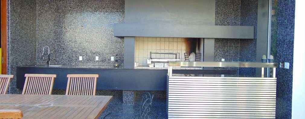 modern Bathroom by Jader e Ivan Arquitetos