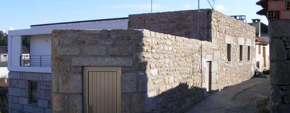 Casas de estilo moderno por Vasco Rodrigues, arquitecto