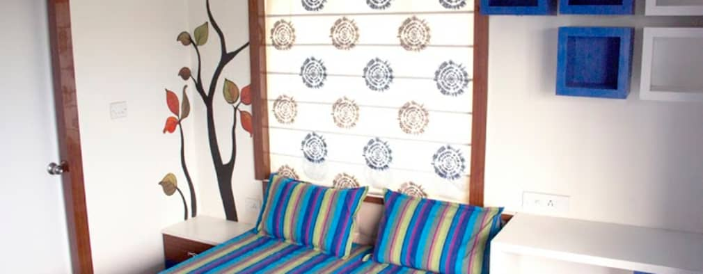 4 BHK in Bengaluru: modern Living room by Cee Bee Design Studio