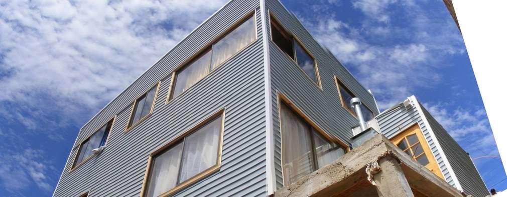 MARCELA CARRERAS - AUTO CONSTRUCCIÓN ASISITDA: Casas de estilo moderno por M25