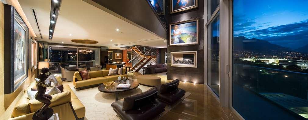 Salas / recibidores de estilo moderno por Línea Vertical