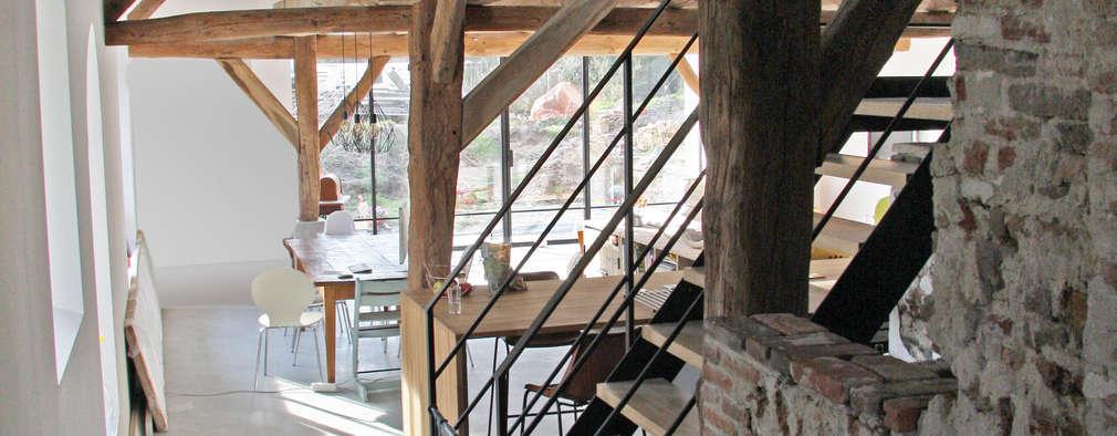 Salas de estilo rural por Arend Groenewegen Architect BNA